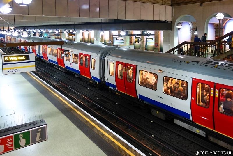 絶景探しの旅 - 0111 グロスターロード駅 サークルライン プラットホーム2 (ロンドン地下鉄)